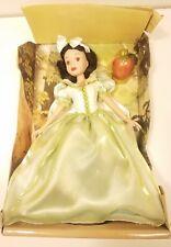 "RARE GREEN DRESS Snow White Keepsake Porcelain Doll Brass Key 16"" Disney w Card!"