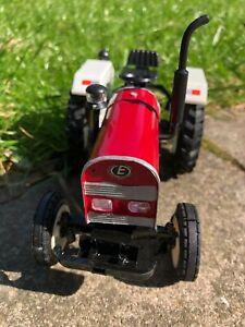 Farm vehicle toys..EICHER TRACTOR MODEL