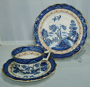 """Vintage BOOTHS """"REAL OLD WILLOW"""" BREAKFAST CUP TRIO, A8025; c.1948 - 1968. #2"""