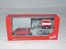 """herpa 094290 VW T6 Bus mit Kofferanhänger """"Herpa"""" Anhänger von VK-Modelle 1:8..."""
