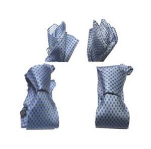 Cravatta azzurra seta stampata italy top tie e completo abbinata con fazzoletto