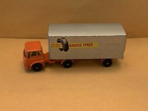 """Matchbox Major Pack M-2 Bedford Tractor and York Trailer """"Davies Tyres"""""""