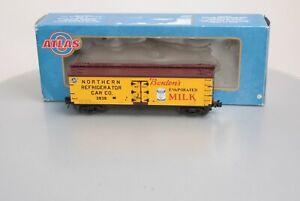 Atlas 8196-2 Borden's Wood Reefer Car #8196-2 [3Rail] LN/Box