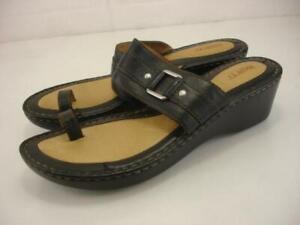 Born Women's 11 M Black Leather Toe Ring Loop Sandals Wedge Heels Slip-On Slides
