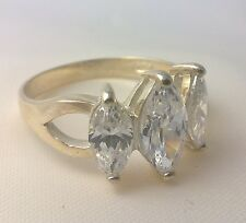 925 sterling silver Ladies simulated diamond engagement ring wedding tripple new