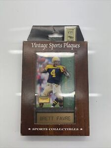 Vintage Sports Plaques Brett Favre Sky box Green Packers. New