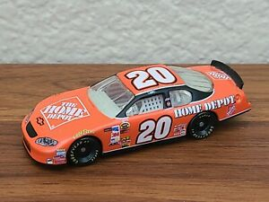 2005 Cup Champion #20 Tony Stewart The Home Depot 1/64 NASCAR Diecast Loose