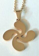Colgante lauburu con cadena en oro amarillo laminado 18 kgf