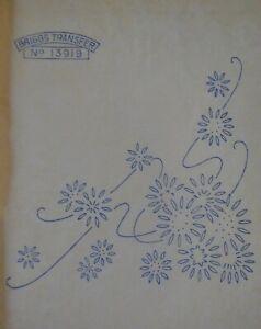 Vintage Briggs iron on embroidery transfer/pattern flower sprays & corners