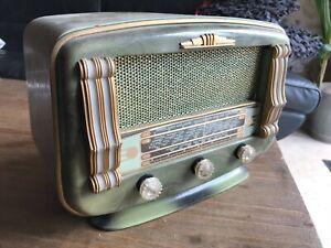 Poste radio tsf ancien à lampes OC, PO, GO, BE