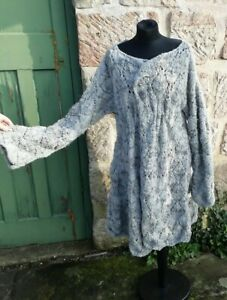 Ladies hand knitted cardigan/jacket, brooch not included