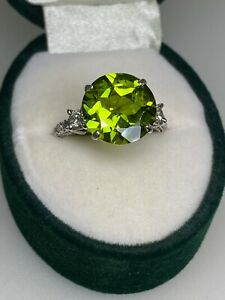 5.50ct Sparking Olive Green Natural Peridot & Diamond Ring in 18K White Gold