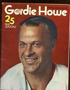 1970/1971 NHL Hockey Detroit Red Wings Yearbook Gordie Howe 25th Season EX