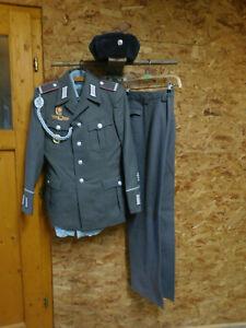 NVA Uniform,Gefreiter Panzer mit Abzeichen und Ärmelpatten