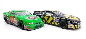 Hot Wheels Crew's Choice NASCAR Michael Waltrip 2000 Grand Prix 1:24 Scale  lot