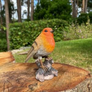 Selections Robin on a Tree Stump Garden Ornament