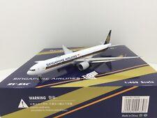 Singapore Airlines B777-300ER Reg: 9V-SNC (Phoenix 1:400)