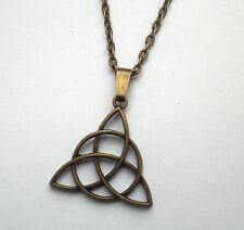 Triquetra Celta triángulo Colgante Collar Envejecido Tono de bronce