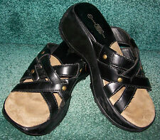 Rt. 66 Women's Comfortable Walking Sandals / Shoes - Size 7 - Black - Nice Pair