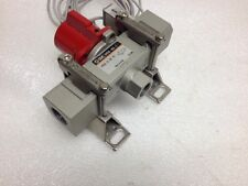 SMC IS10E-40N04-6L pressure switch w/ VHS40-N04-Z valve & mntg brackets, 1/2 NPT