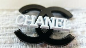 100% Chanel button 1 pieces  cc logo    emblem size  1,1 inch black  metal