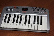 M-Audio Oxygen 8 V2 Midi Controller 25 Key Midi Keyboard Pre-owned Tested.