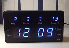 Bleu LED Numérique Horloge murale avec Date Température Kiosque 200x110x40mm