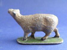 QUIRALU - La ferme - Mouton en train de bêler (2)