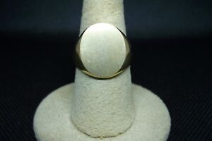 10K Yellow Gold   Gents Signet Ring
