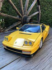 Ferrari Testarossa Coupe Convertible von Pocher Rivarossi K59 im Maßstab 1/8 Top