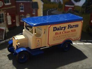 Lledo Morris  Van ( Dairy Farm)