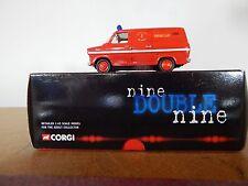 Corgi CC02301 Ford Transit Emergency Tender Warwickshire Fire Brigade
