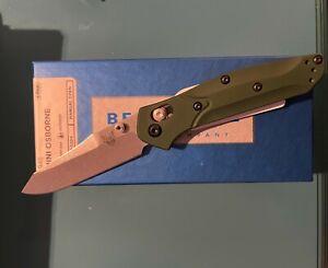 Benchmade 945 Mini Osborne AXIS Lock Knife Green aluminum Scales