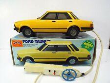 VINTAGE RARE PAYA FORD TAUNUS CAR TINPLATE BATTERY POWERED BOXED (AM570)