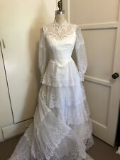 Vtg 80's Beautiful Lace Pearl Ruffle Victorian Inspired Wedding Gown Size 8
