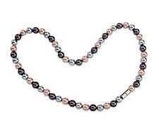 Halsketten und Anhänger mit Perlen
