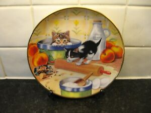 CAT   PLATE  -  COOKING UP TROUBLE     -  FRANKLIN  MINT