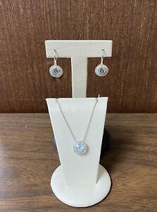 Beautiful 18K White Gold w/ Round Aquamarine & Diamonds Necklace & Earring Set