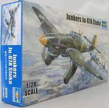 Trumpeter 1:24 02420 Ju 87D-3 Stuka Model Aircraft Kit