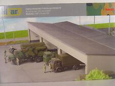 Kasernen Fahrzeugunterstand  für Militär  - Herpa HO 1:87 Bausatz - 745499   #E