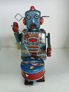 """Winding Musical Drummer Robot Metal  (8.5"""") Box 11.5x24x13cm"""