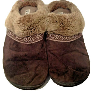 Isotoner Womens Womens Brown Faux Fur Slippers US 9.5-10M Microsuede Smartzone