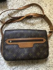 Louis Vuitton Monogram Crossbody Vintage Bag