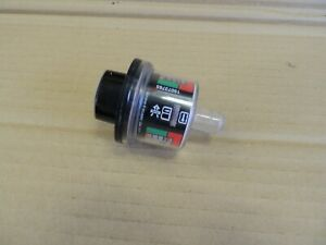 99-07 Chevy/GMC AIR CLEANER RESTRICTION INDICATOR-Red/Green 15073765 OEM Genuine