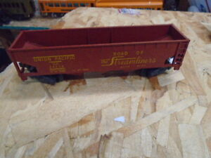 American Flyer 24216 UNION PACIFIC 3-BAY HOPPER,.HIGH QUALITY FREIGHT CAR!