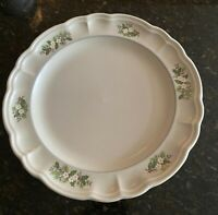 "Pfaltzgraff CHRISTMAS HEIRLOOM 10 1/2"" Dinner Plates  Set(s)of 4"