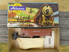 HO SCALE ATHEARN CANADIAN PACIFIC 2 BAY OFFSET HOPPER KIT