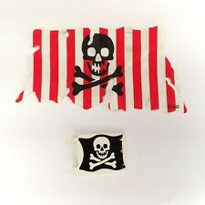 skull /& crossbones from set 6243 LEGO Large Cloth Pirate Sail with red stripes