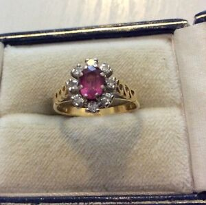 Stunning Ladies Full Hallmarked 18 Carat Gold Pink Topaz & Diamond Ring - K