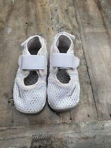 Nike Rift White Size 6.5 Toddler